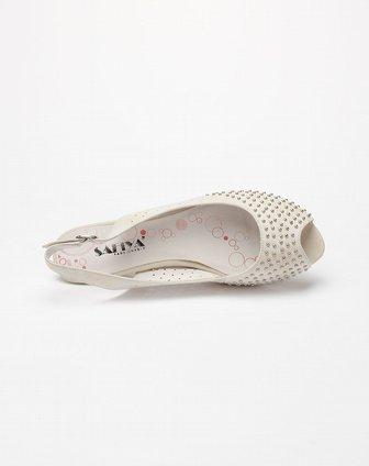 女款米白色时尚鱼嘴中跟凉鞋