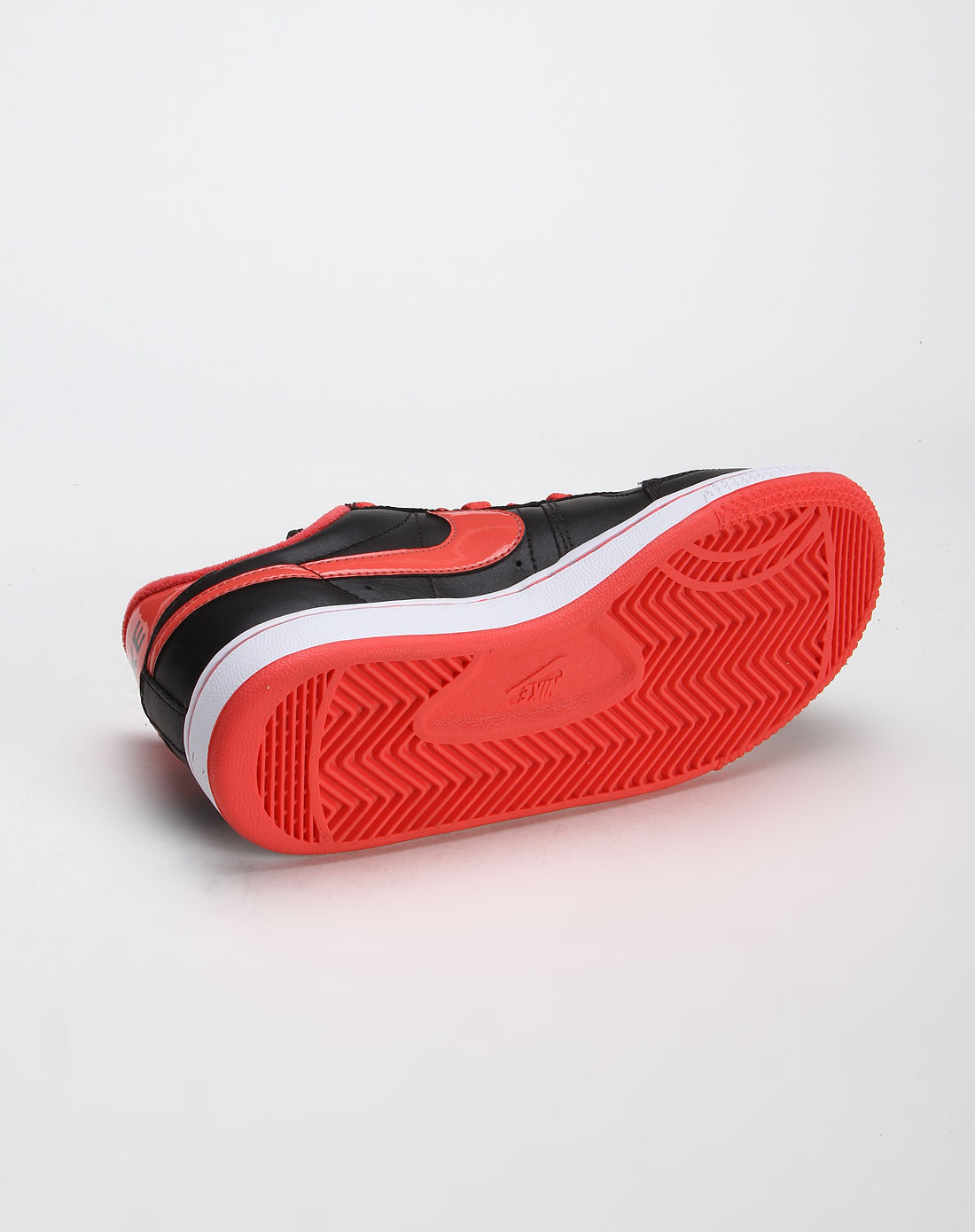 耐克nike-女款黑/玫红色legend绑带板鞋311958-002